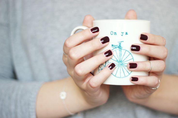 burgundy nails, essie, Sole Mate, nail polish, mug, on ya bike, penny farthing, autumn