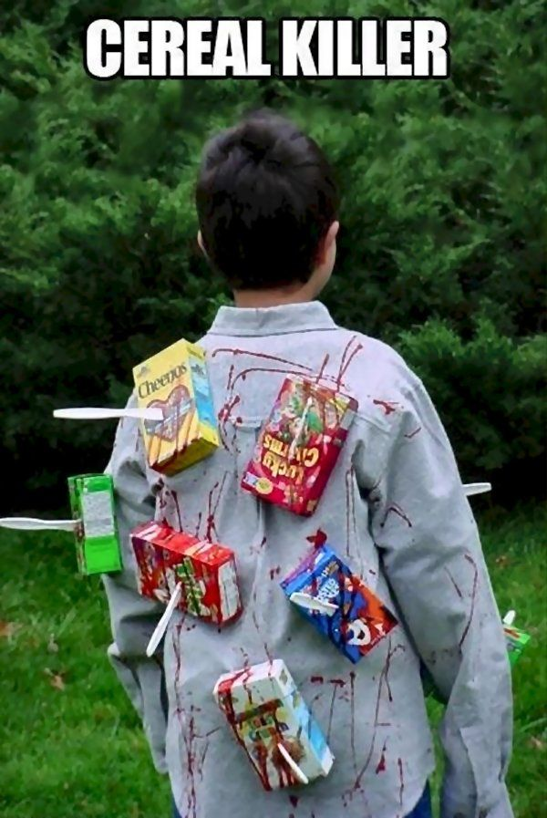 Cereal Killer halloween costume diy funny clever blood cereal boxes plastic knives. They still sell those boxes?