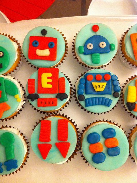 Emmett's Robot Cupcakes - Part 2
