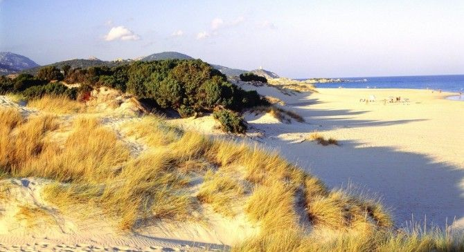 Bike tour in Sardinia just for you. A thrilling trip of seven days through the natural beauty spots and history of north-western Sardinia, passing from the sea to the lakes, from archaeological sites to castles, from woods to beaches.