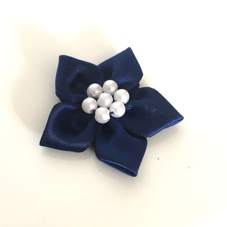 10, satin ribbon flowers, pearl ribbon flowers, navy ribbon flowers, navy ribbon rosettes, satin ribbon rosettes, sewing appliques, craft by Buttonsheduk on Etsy