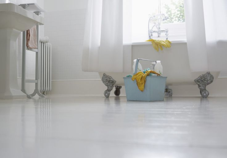 Find out how you can prevent and remove troublesome bathroom mould. #hometips #bathroom