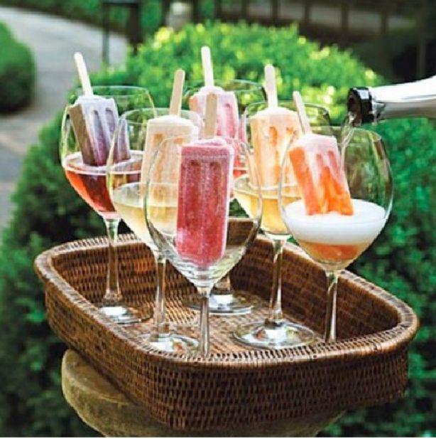 Prosecco met waterijsje! Perfecte tuinfeest drankje!
