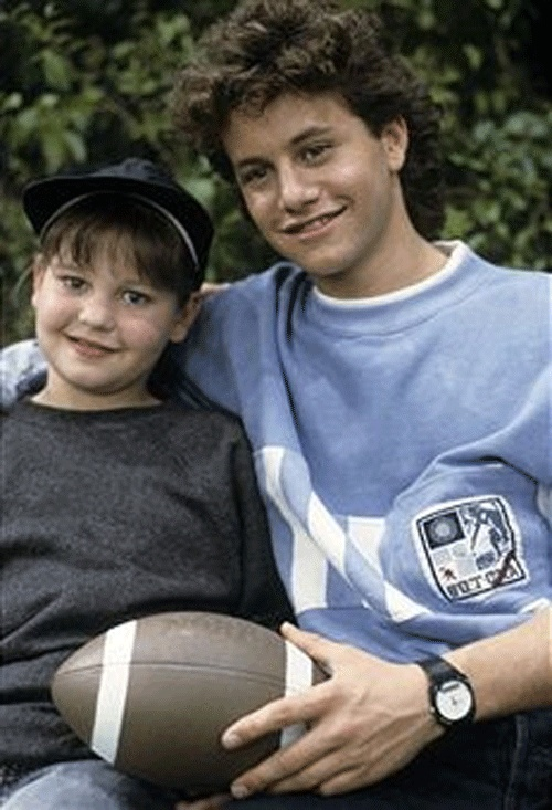 Kirk Cameron guest-starring on Full House with his little sister Candace Cameron who plays DJ Tanner