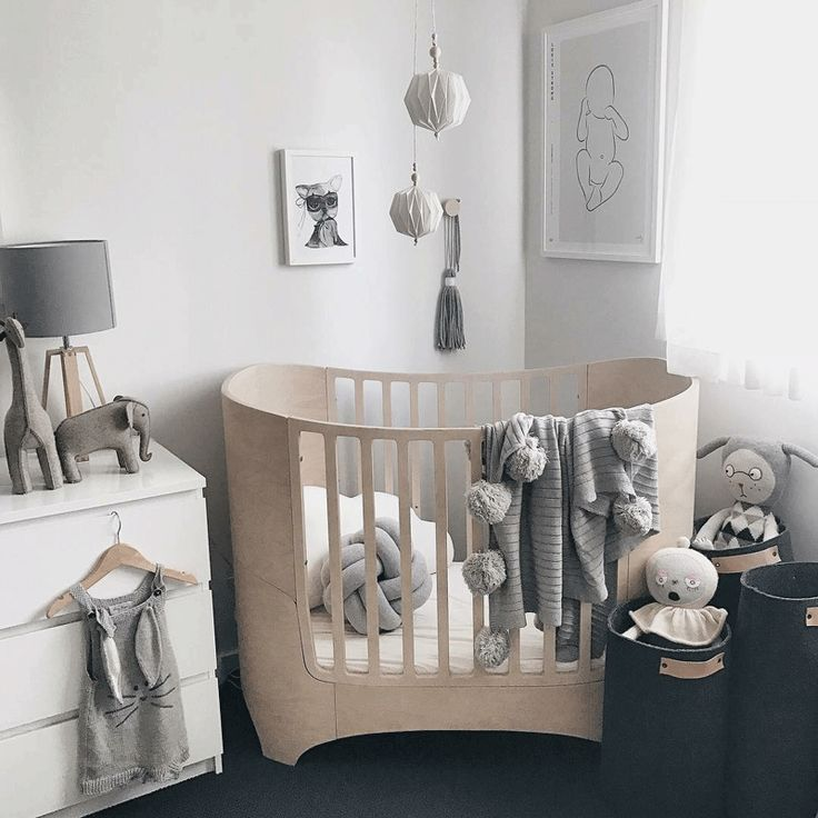Louis' Playful Scandinavian Styled Toddler's Room. Origami balls by Titt-tei!