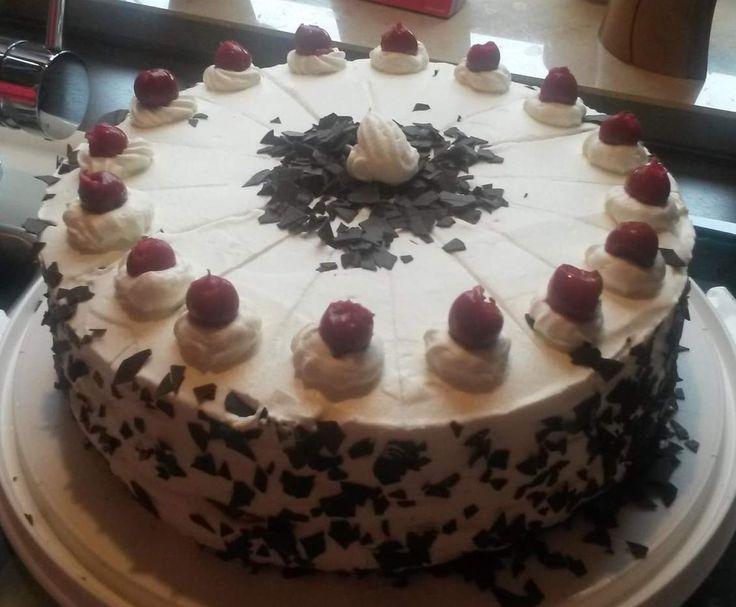 Rezept Schwarzwälder Kirschtorte nach Gertrud's Art von rauschbine - Rezept der Kategorie Backen süß