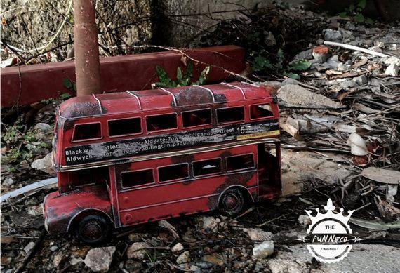 Vintage Metal London Bus