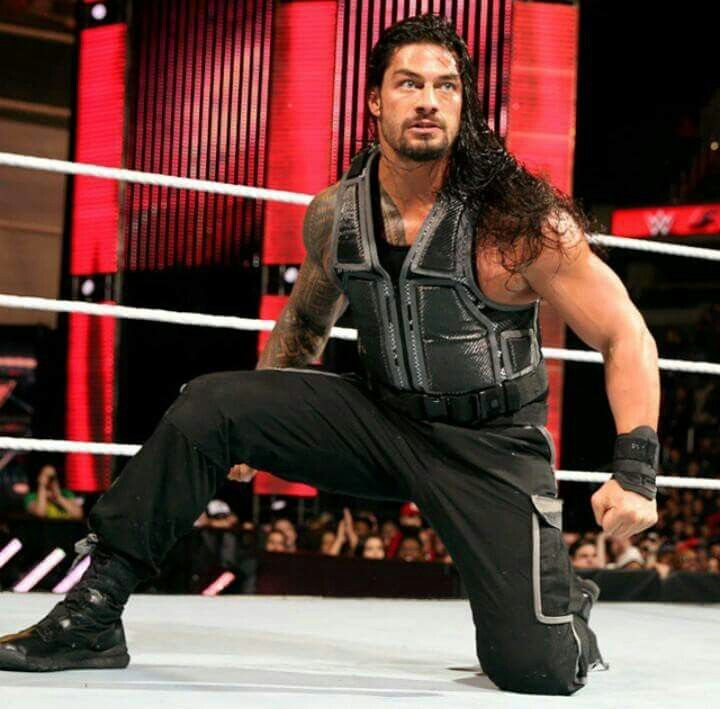 Roman Reigns the greatest WWE  wrestlers he is my favorite WWE superman hero I would love  to meet Roman reigns ( Joe  a handsome guy believe that