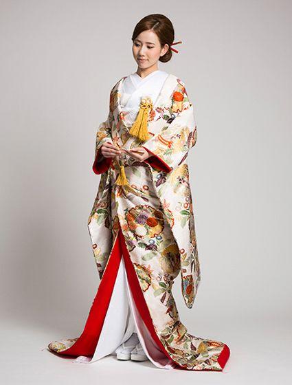 ウエディングドレス、高品質な結婚式ドレスならW by Watabe Wedding / 色打掛【白地はるか】