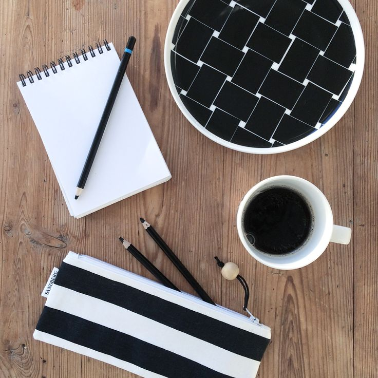Handmade pouches. Black and white stripes. Pencilcase. Etsyshop. Made in Finland. By Johanna Sandberg.