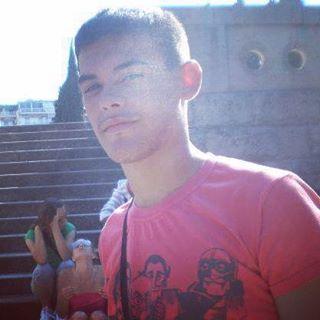 #sunnyday #alanford #striphero #graveyard #greece #solun #thessaloniki #stairs