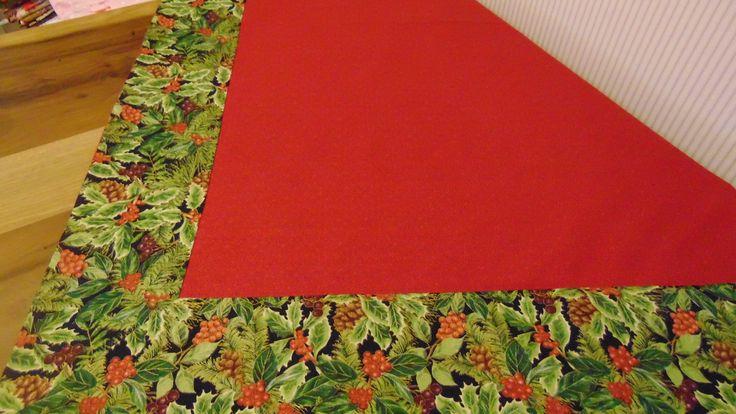 APROVEITE, ÚLTIMA PEÇA.  Toalha para mesa, medindo aproximadamente 1,28 m x 1,28 m, em tecido 100% algodão, acabamento sem costura aparente. A disponibilidade dos tecidos vai depender da quantidade disponível na hora da compra. Você pode usá-la sobre sua toalha branca, fica lindo.  Pode ser feita...