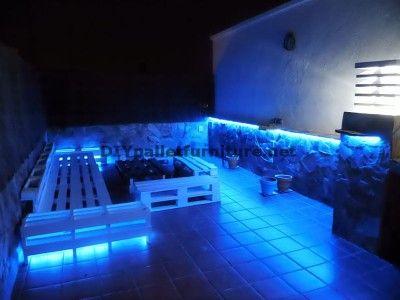 Chillout terrasse sofas und tisch mit led beleuchtung mit - Lit palette led ...