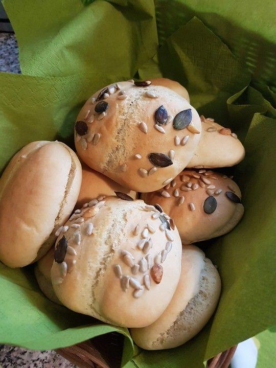 Die schnellsten Brötchen der Welt, ein sehr schönes Rezept aus der Kategorie Brot und Brötchen. Bewertungen: 598. Durchschnitt: Ø 4,3.
