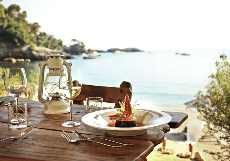 Beach restaurant - perfect for weddings with few guests