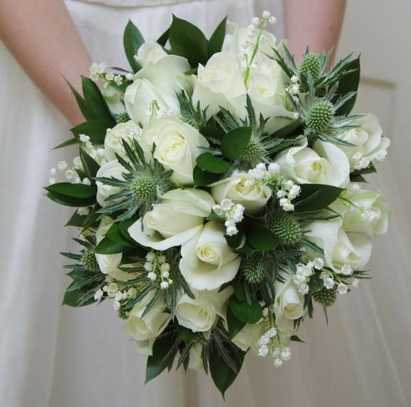 22 Amazingly Beautiful Wedding Bouquet Ideas. To see more: http://www.modwedding.com/2014/01/19/22-amazingly-beautiful-wedding-bouquet-ideas/ #wedding #weddings