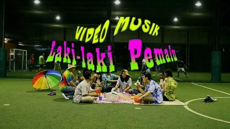 Pandai Besi - Laki-laki Pemalu (Official Music Video) | Entah kenapa disini Cholil jd konyol banget. haha