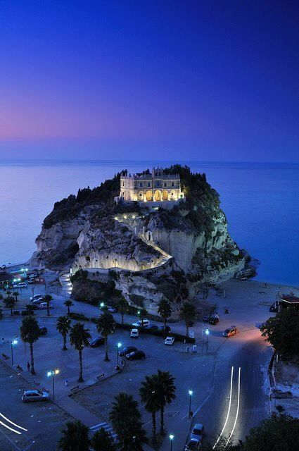 Santa Maria dell'Isola Church, Tropea, Calabria - Italy. This place is a magnet for all the travelers!