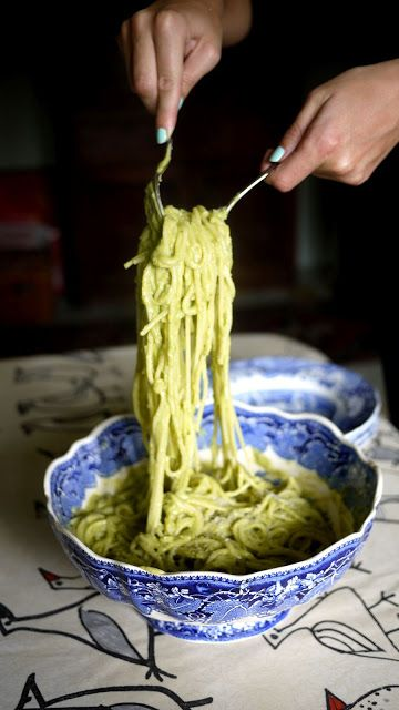 Avocado Spagetti - I think i might try this and use spaghetti squash instead of pasta. ~deh