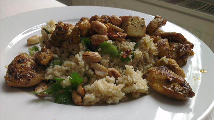 Satay-Huhn mit grünem Couscous und Erdnüssen, Michael K.