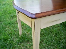I saw this end table at a yard sale for $2. Yip, 2 dollars!!! I grabbed it, well I really didn't need to grab it, no one else wanted it. I...