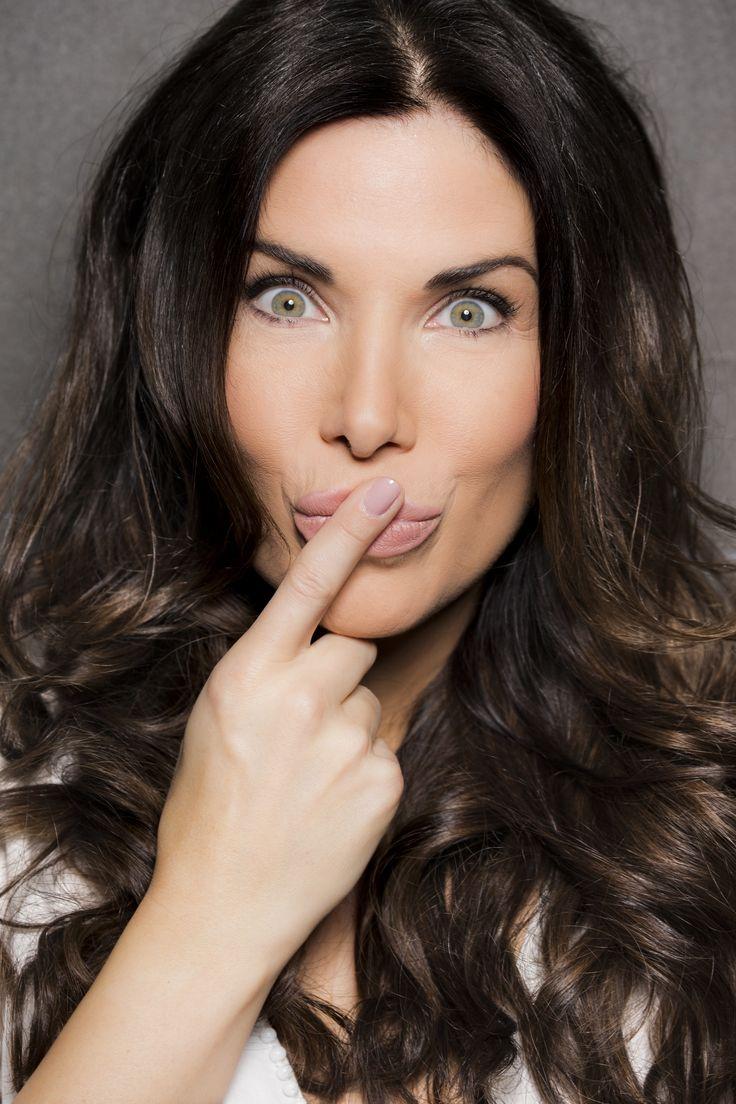 Zu Gast im Oktober - Beautyinterview der Schminktante ist Moderatorin Alexandra Polzin. Foto: Jessica Kassner