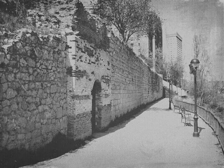 Ruinas del palacio de la ribera valladolid spain - Universidad arquitectura valladolid ...