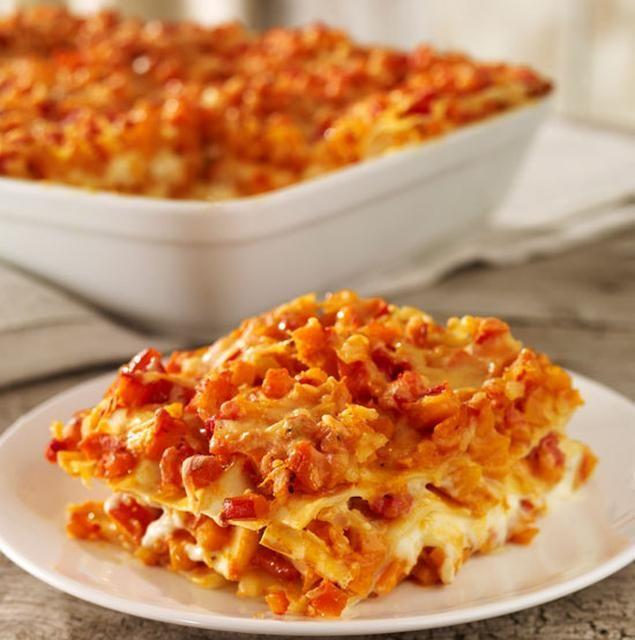 Kürbis-Tomaten-Lasagne - Lasagne aus Nudeln, Kürbis, Tomaten und nach Belieben auch Hackfleisch