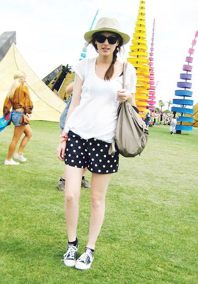 Love the casual look—Day one coachella (by Jade Elise) http://lookbook.nu/look/3380279-day-one-coachella