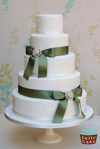 Crystals and Bows Wedding Cake by www.jellycake.co.uk, via Flickr