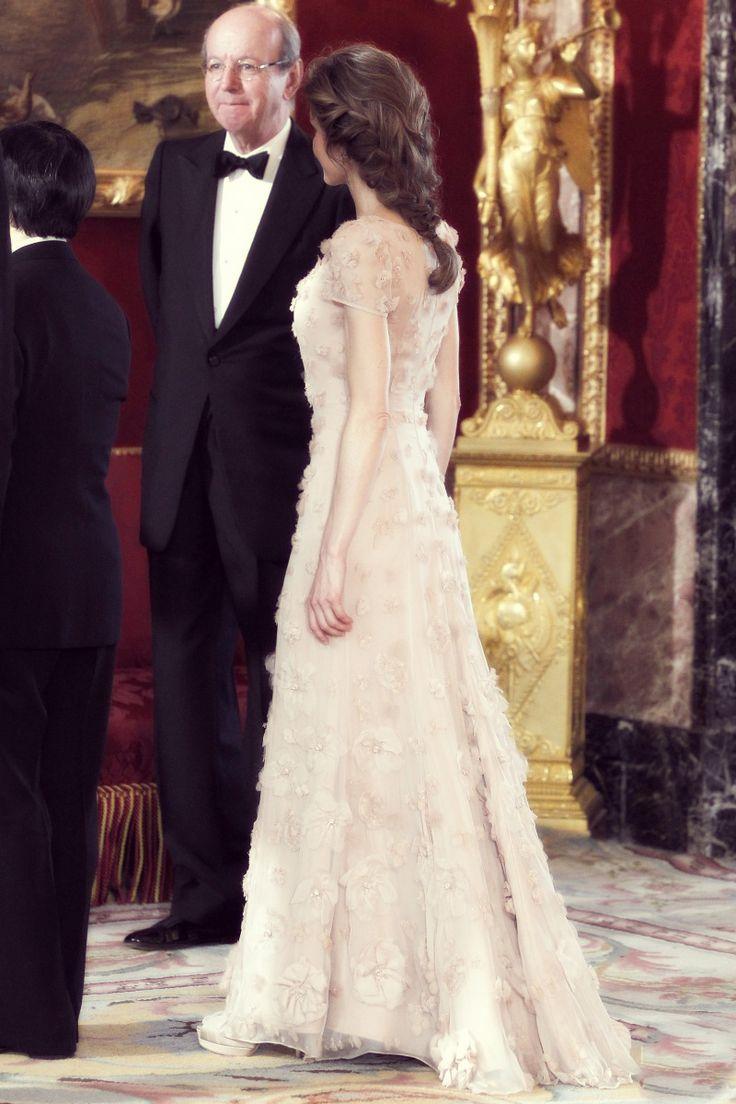 80 best Queen Letizia images on Pinterest | Queen letizia, Letizia ...