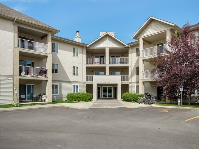SOLD New Listing! #207, 3000 Citadel Meadows Pt. 1 bedroom 1 bathroom, extensively redone on the interior, for $225,000!