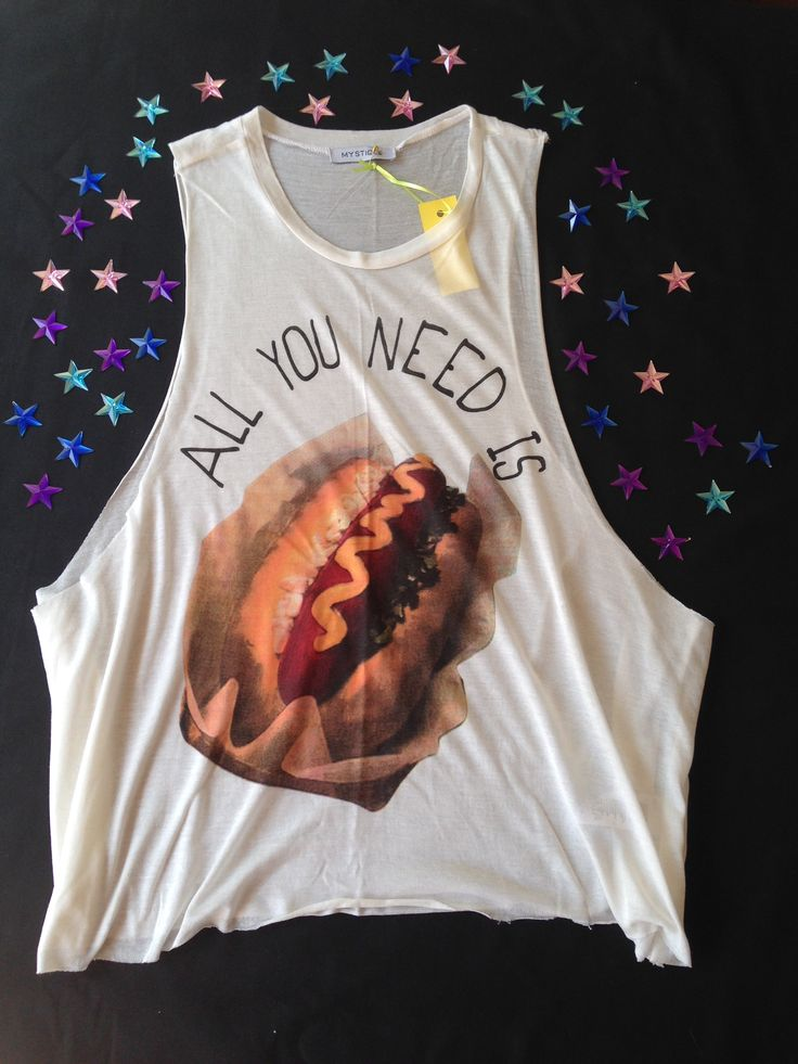 All you need is?  $7.990.-  Talla S y M