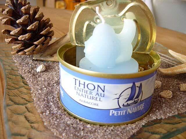 """Γγρ│ Déco mer (une bougie dans une boîte de thon """"petit navire""""), il fallait y penser !"""