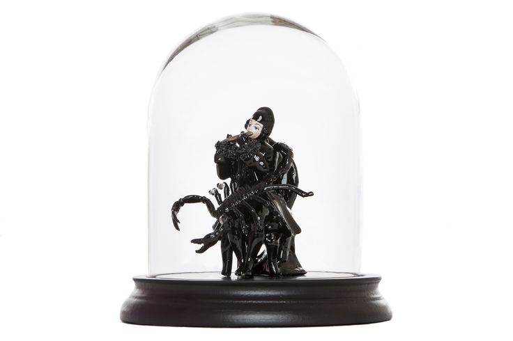 Histoire Noir - Statue in Bell Glass