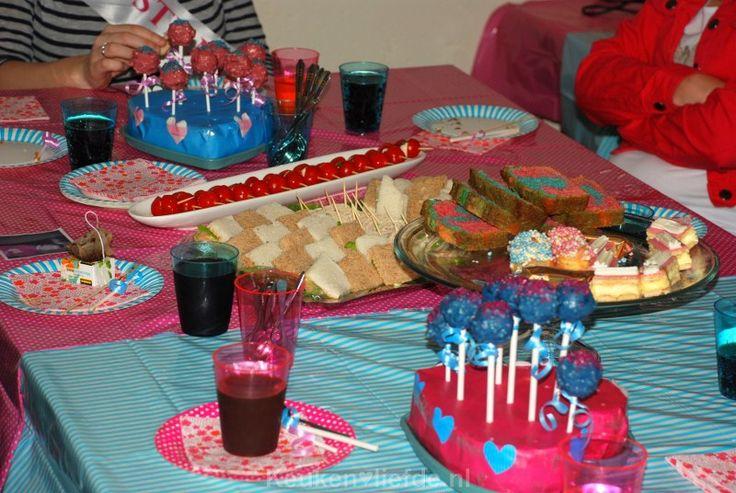 25 beste idee n over babyshowers voor meisjes op pinterest meisjes douche idee n voor - Deco ruimte jongensbaby ...