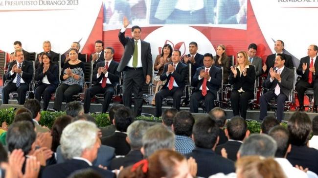 Con la confianza de que el nuevo Gobierno Federal, encabezado por Enrique Peña Nieto responderá con más inversiones en infraestructura, ayer representantes de todos los sectores, legisladores y el gobernador Jorge Herrera Caldera iniciaron los trabajos de consulta rumbo al Presupuesto Durango 2013.