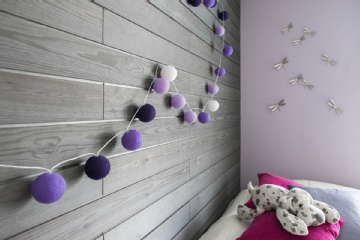 Sisustus - lastenhuone - helmiäispinta seinustalla
