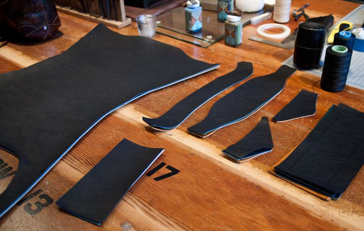 Lots of leather work tutorials and guides, plus many other craft projects!