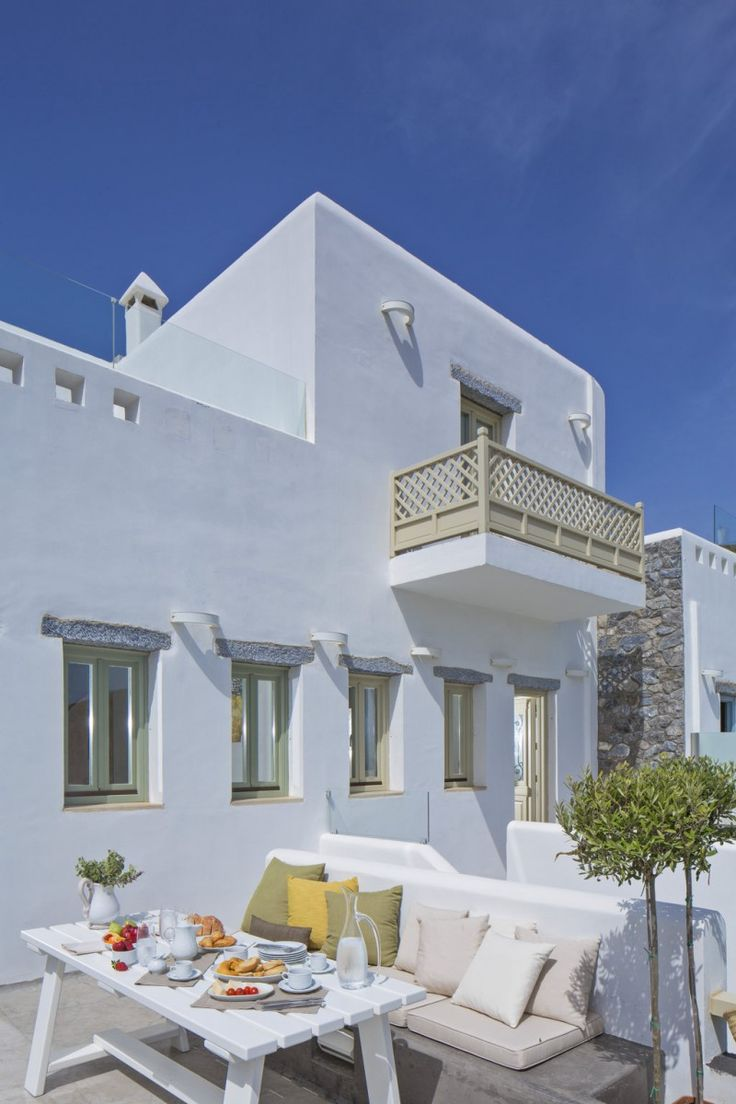 Villa Pomegranate, luxury seafront villa in Astipalaia Island, Greece. Garden, terrace, jacuzzi spa.