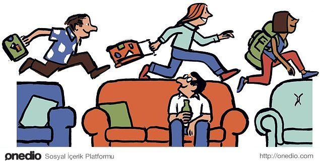 Gittiğiniz yerlerde bedava konaklamanızı sağlayan uluslararası misafirperverlik servisi.  https://www.couchsurfing.com/Couchsurfing