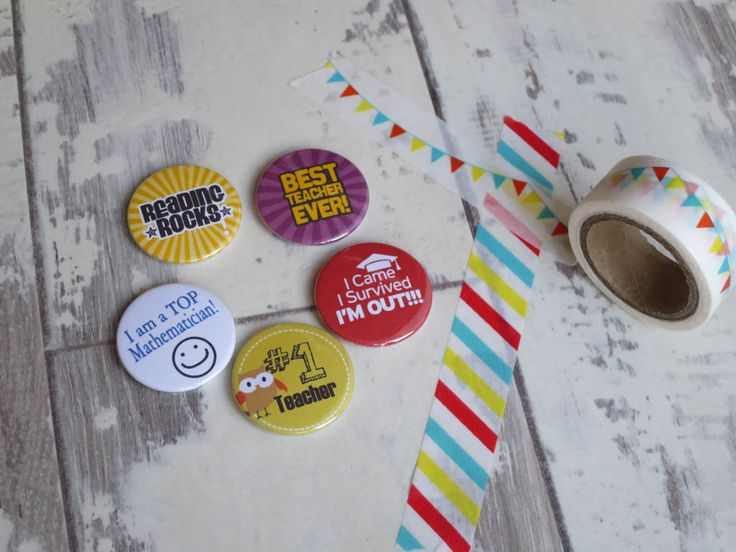 Reading & school badges. 25mm button badges made in our family run workshop & de… – Button badges