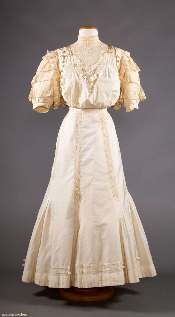 Upcoming Sales | 20th C - 1900 - 1913 (V & E) in 2018 | Pinterest |  Dresses, Gowns and Tea gown