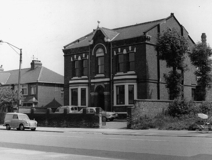 Guide Bridge, 215 Stockport Road, Ukrainian Club on Stockport Road, 1971 Source: Manchester Libraries, Information and Archives; GB127.m40059 Author: T Brooks