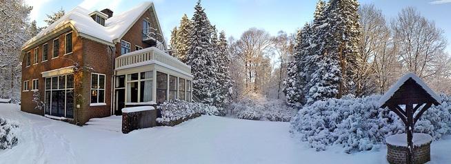 De Leperkoen met een laagje sneeuw     http://www.leperkoen.nl/userfiles/images/homeAnimatie/5.jpg