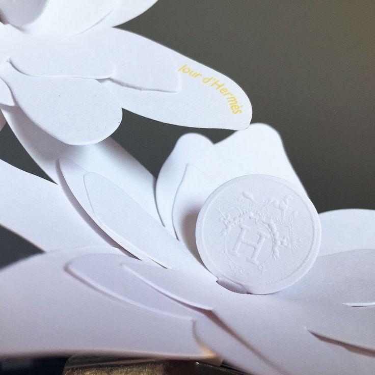 →SCENTIS -Touche à sentir - Impression - Marketing Olfactif - Carnet de Mouillettes - Blotters et carte à parfum personnalisés pour parfumerie de luxe