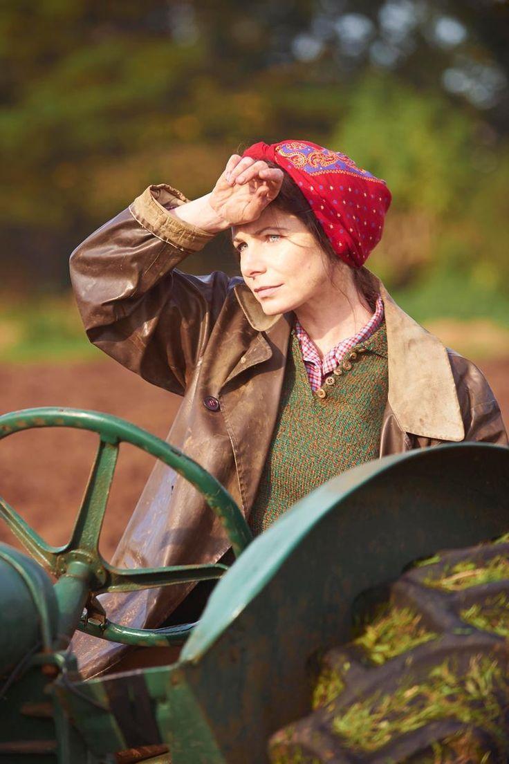 Home Fires ITV drama Steph Farrow played by Clare Calbraith