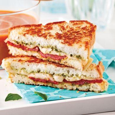 Grilled cheese sans gluten au pesto et aux tomates séchées - Recettes - Cuisine et nutrition - Pratico Pratique