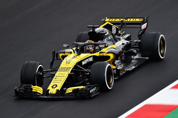 Carlos Sainz of Spain driving the (55) Renault Sport Formula One Team RS18 on track during day one of F1 Winter Testing at Circuit de Catalunya on February 26, 2018 in Montmelo, Spain.