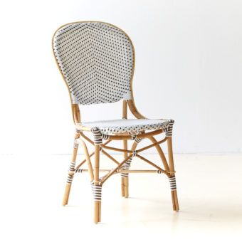 Den populära Rossini stolen görs nu som en Caféstol för utomhusbruk.Isabell stol utan armstöd är tillverkad av naturmaterial rotting och med underhållsfri